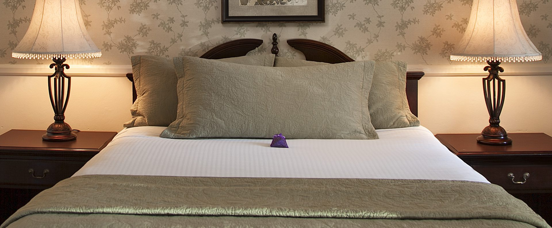 Lavender Inn by the Sea standard single bed