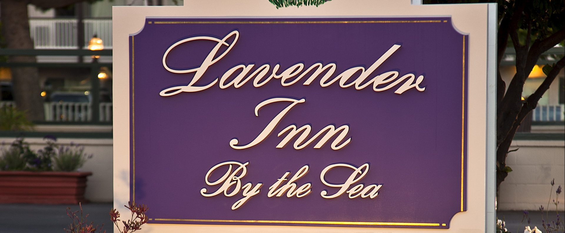 Lavender Inn by the Sea exterior sign