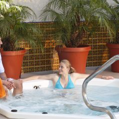 hotel Jacuzzi at Inn by the Harbor