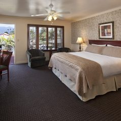 comfortable and clean rooms at Brisas Del Mar, Inn at the Beach