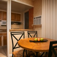 BW Plus Encina Inn & Suites kitchen and dining area