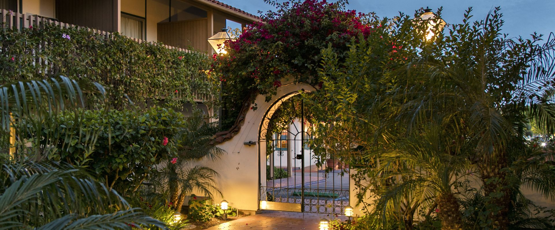 Santa Barbara Hotel with Pool | BW PLUS Pepper Tree Inn