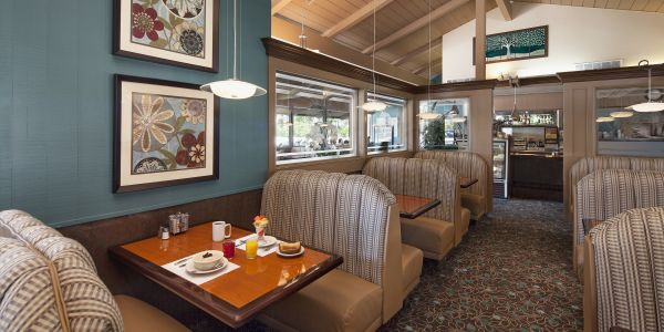 The Treehouse Restaurant Best Western Plus Pepper Tree Inn
